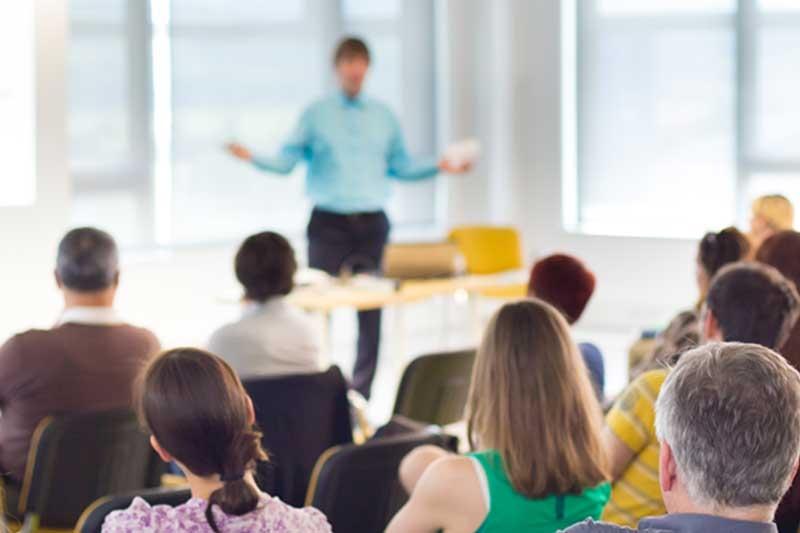 Webinar  Auftrittssicherheit vor Publikum